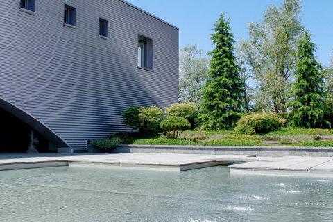 Geschäftsgebäude-Landschaftsarchitektur-1