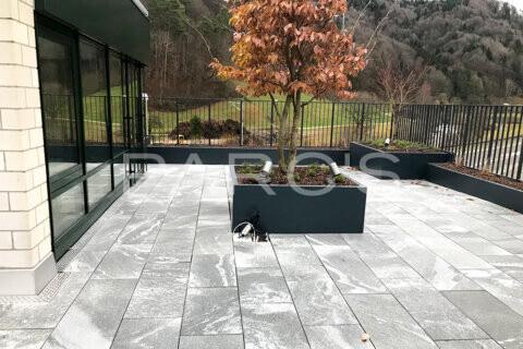 terrassengestaltung-geschaeftshaus-firmenterrasse-egli-jona-gartenbau-parcs-gartengestaltung-10