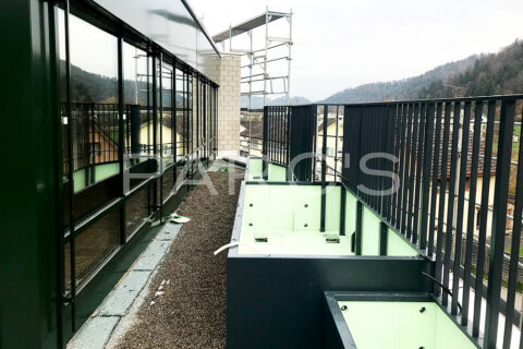 terrassengestaltung-geschaeftshaus-firmenterrasse-egli-jona-gartenbau-parcs-gartengestaltung-8