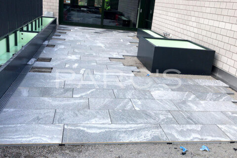 terrassengestaltung-geschaeftshaus-firmenterrasse-egli-jona-gartenbau-parcs-gartengestaltung-9